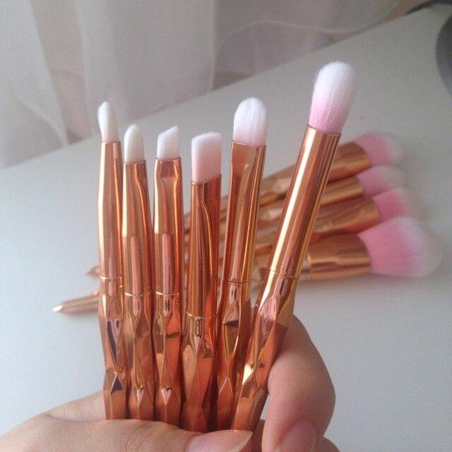 11Pcs Diamond Rose Gold Makeup Brushes Set Mermaid Fishtail Shaped Foundation Powder Cosmetics Brush Rainbow Eyeshadow Brush Kit 4