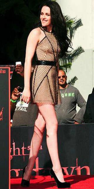 f4302edf3253e US $139.0 |SZ386 Kristen Stewart Elegant Net Shape Above Knee Celebrity  Dresses 2017 Sexy Sleeveless Black Sashes Halter Party Girl Gowns -in ...