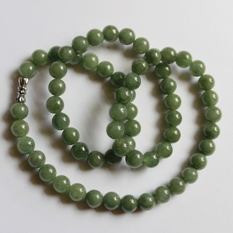 Collar con cuentas de jade natural ICY