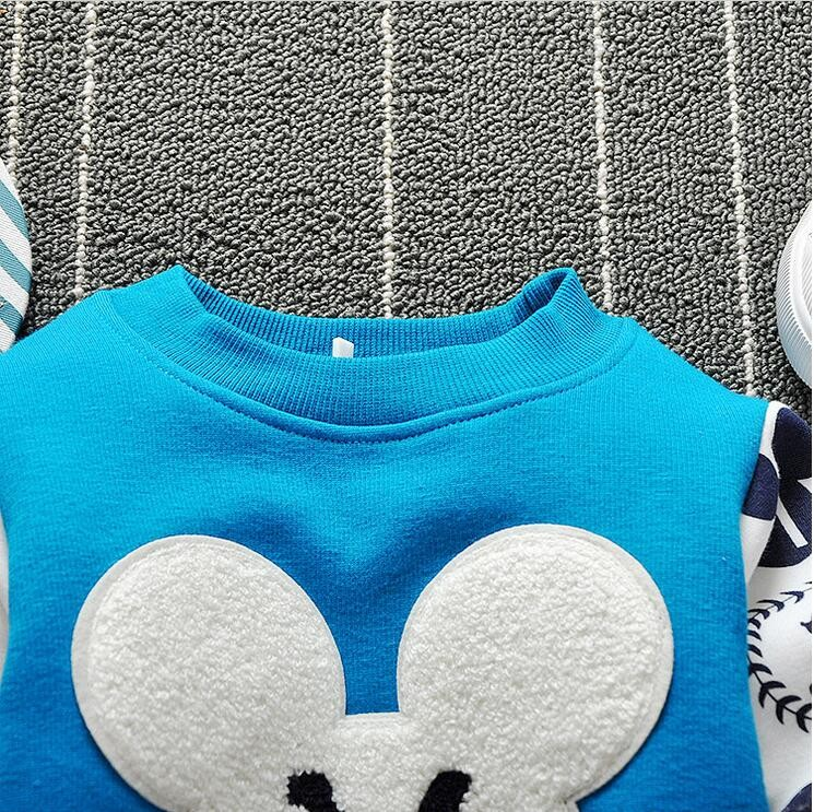 The new cartoon pattern fashion 0-2 year-old male and female baby long-sleeved clothes + free gifts 10