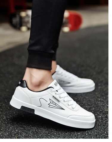 Nuevo 2018 Primavera Verano zapatillas de lona para hombre zapatillas bajas de 3 colores para Hombre Zapatos casuales de marca masculina zapatillas de moda 39-44