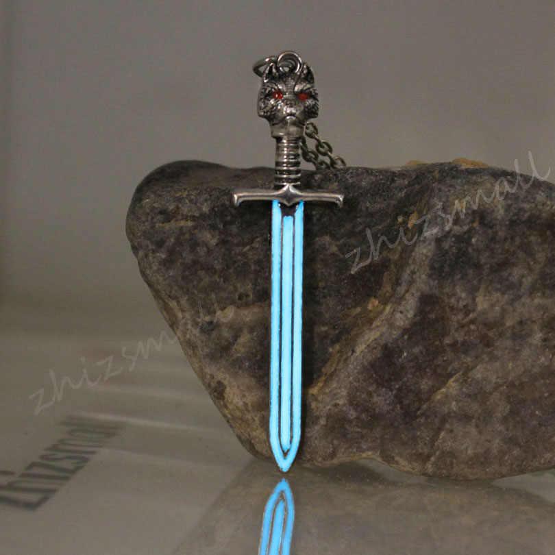 A Song Of Ice And Fire Stark Serigala Pedang Kalung Jon Salju Baja Valyrian Pisau Longclaw Liontin Cahaya Di gelap Hadiah