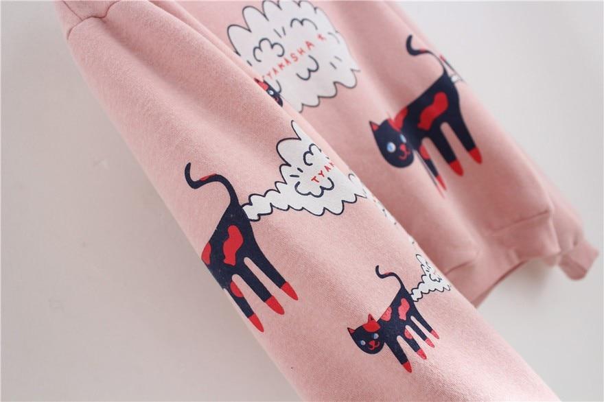 17 New Spring Autumn Sweatshirt Women Tops Plus Size Loose Casual Plus Thick Velvet Cartoon Cat Pattern Sweatshirts Pullovers 13