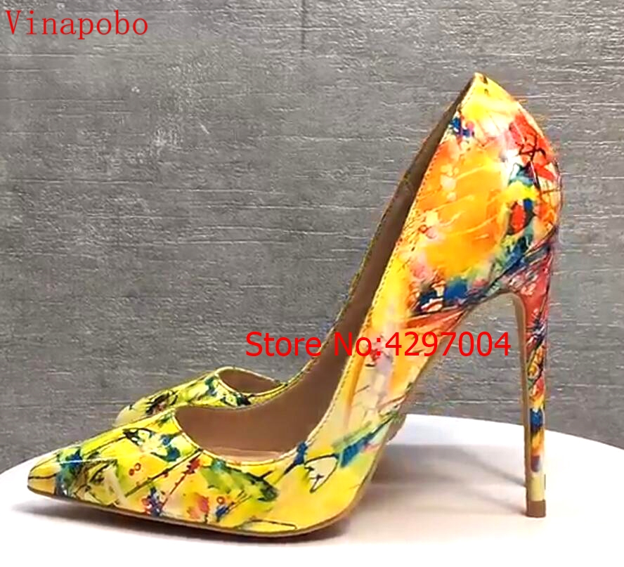Women yellow Blue flowers printing pumps Patent Leather sexy pointed toe Stilettos high heel party wedding shoes 12cm stilettos-in Women's Pumps from Shoes    2