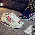 Ocio Zapatos Bordados de Flores de Encaje Blanco Zapatos de Cuero de Estilo Popular de Las Señoras Plana Vulcanizan Los Zapatos Famale SMYXHX-D0175