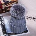 Otoño Invierno de las mujeres casquillo de la bola de piel de zorro sombrero 12 CM Pom poms gorro de Punto gorros señora caliente cap Gorros sombrero de Punto Chicas Cap