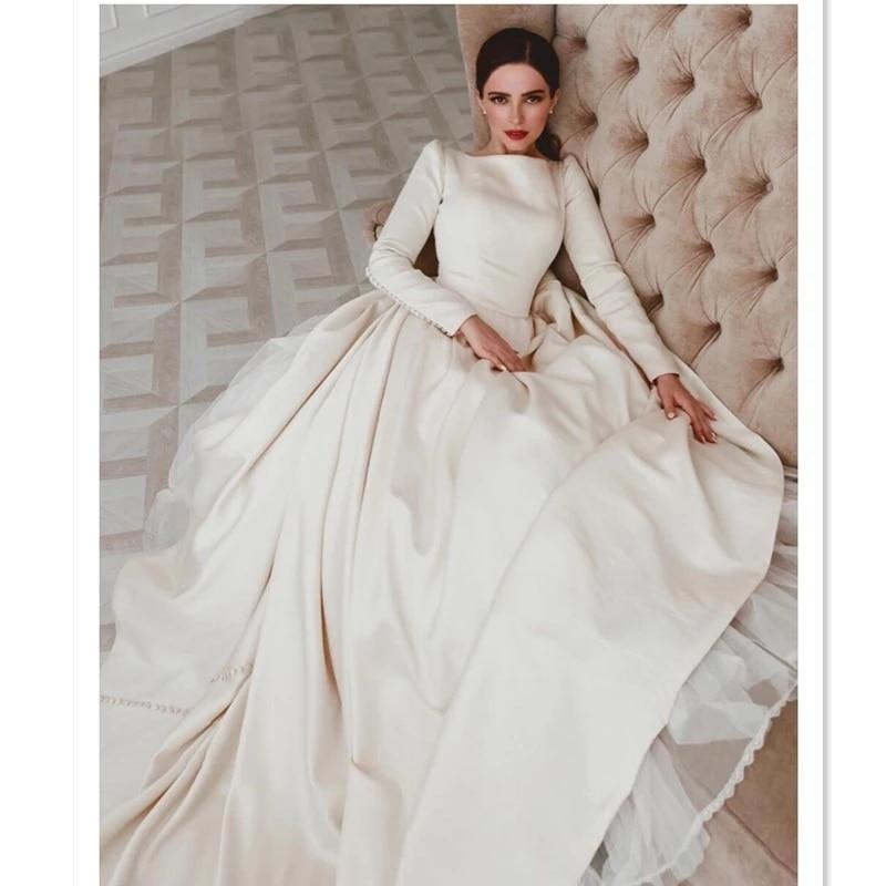 Megan Wedding Dress: 2019 Italy Design Plain Satin Megan Chapel Train Wedding