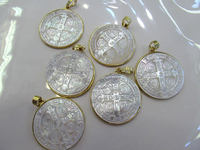 AA+ 6sets Gold Plated Palm Pearl Shell jewelry pendant Virgin Mary carved 32mm cross focal beads