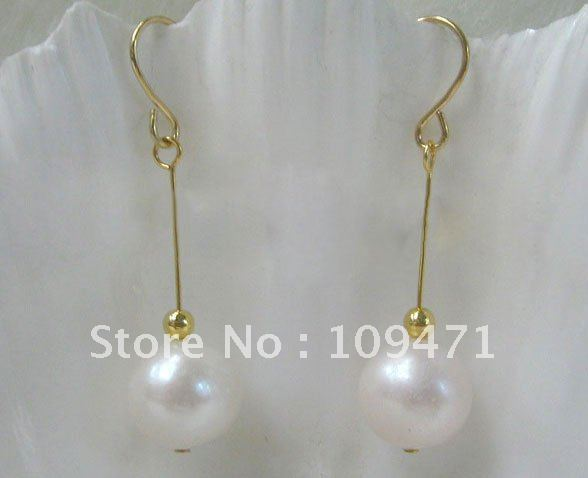 Beautiful10mm natural blanco redondo FW perla pendiente de oro