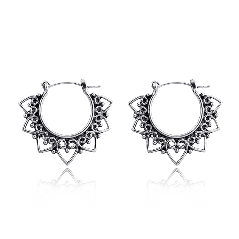 1 Pair European Fashion Exquisite Personality Heart Round <font><b>Hoop</b></font> <font><b>Earrings</b></font> Ancient Silver Color Cute Circle <font><b>Earrings</b></font> For Girl E15-<font><b>3</b></font> image