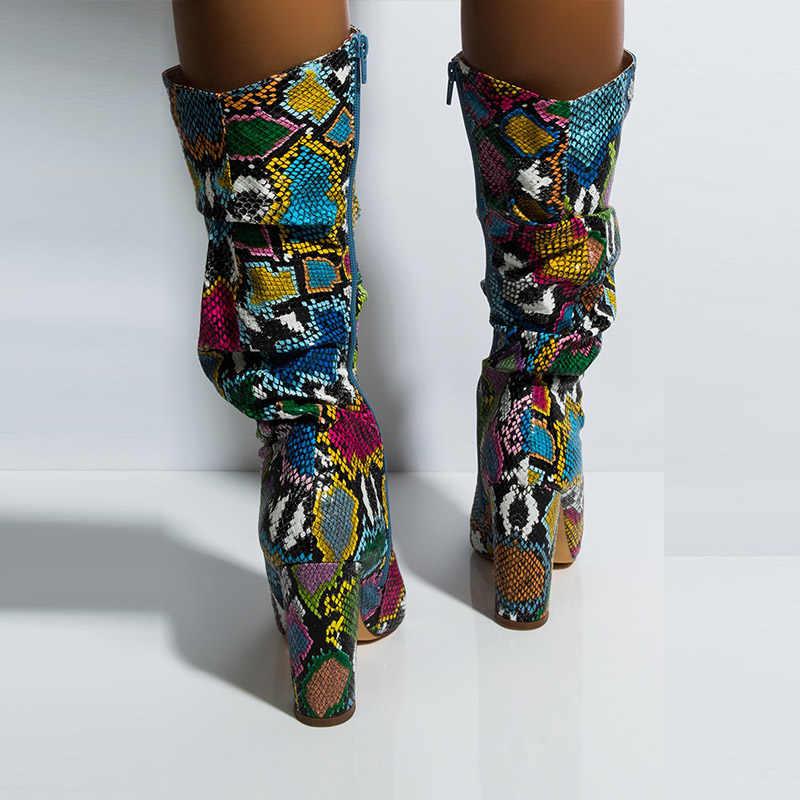 WETKISS Renkli Yılan Cilt Çizmeler Kadın Yüksek Topuklu Kalın Orta buzağı Çizme Sıkıntılı Sivri Burun Zip Ayakkabı Pilili Botları slouch 2020