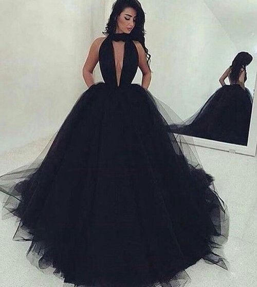 Sexy Backless Ball Gown Black Tulle Prom Dresses Long 2017 Ruched Deep V  Neck Sweep Train