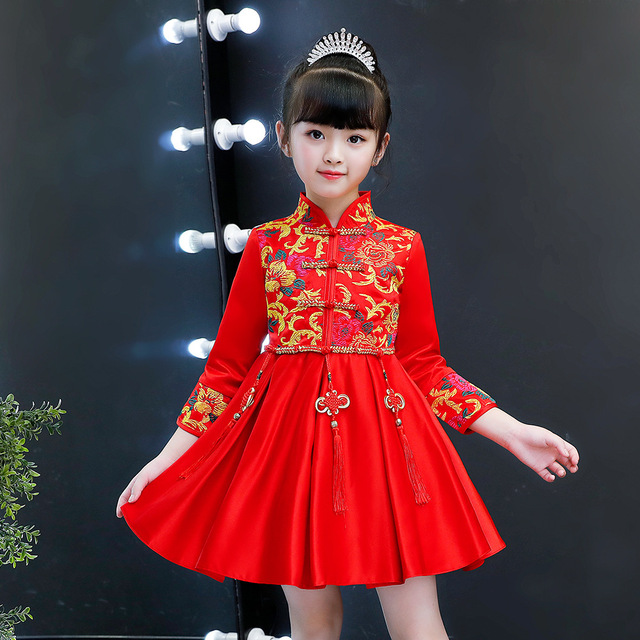 Vestido de princesa de invierno niños rojo boda Cheongsam tradicional chino  Año nuevo traje de flor chica vestidos manga larga Qipao 86fbe31e915