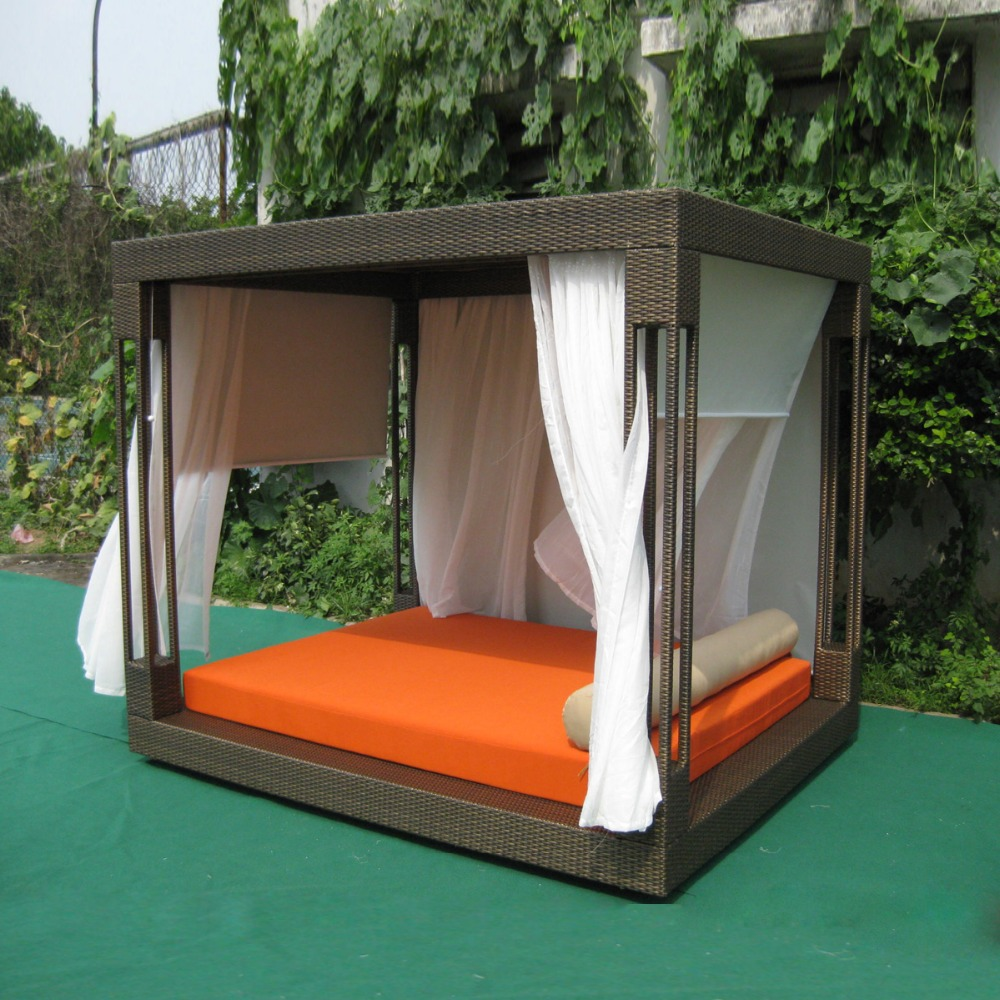 Most popular outdoor furniture rattan daybed with canopy sun bed lounge rattan bed wicker cabana no curtain to sea port by sea