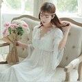 Envío Gratis Princesa Style Larga de Las Mujeres Pijamas Camisón Tribunal Beige Blanco Camisón Camisón Nuevo 2017 de Alta Calidad PT1623