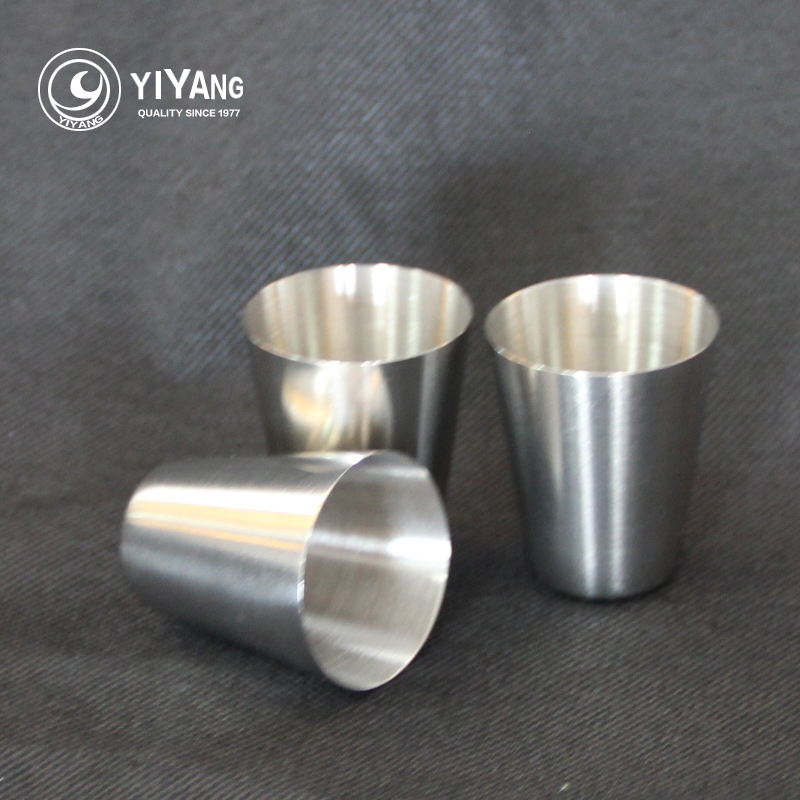 100pcs lot 304 mini stainless steel wine drinking short glass barware 35ml small wine cup for. Black Bedroom Furniture Sets. Home Design Ideas