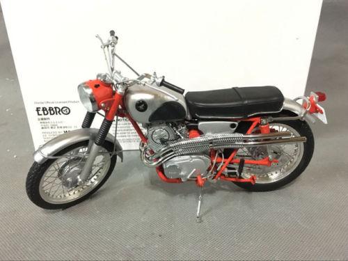 EBBRO 1/10 Honda CL72 Export 1962 (Red) (Diecast model)