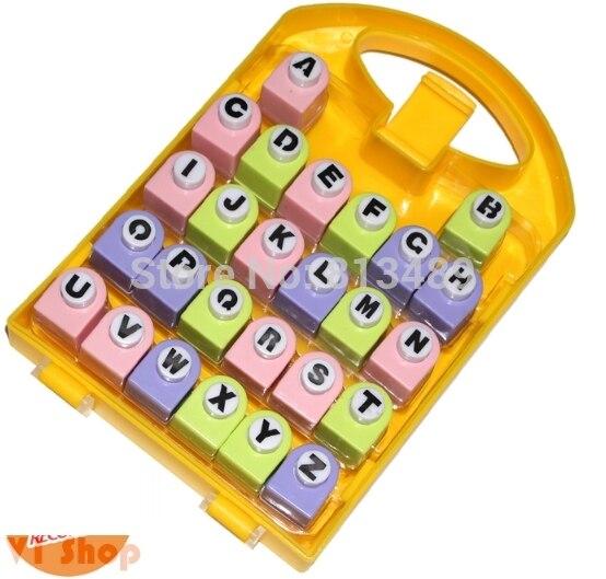Livraison gratuite ferraille 26 lettres poinçons ensemble meilleur cadeau papier poinçon ensembles enfants bricolage jouet Shaper artisanat Scrapbook dans belle boîte cadeau R422