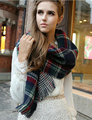 Winter Fashion Girls Tartan Scarf Women Poncho Bandana Plaid Wrap New Designer Acrylic Basic Shawls Womens Luxury Brand Scarves
