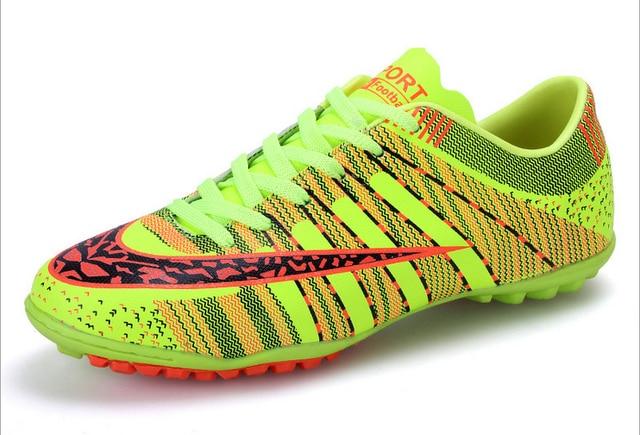 Original top quality New Professional Indoor Soccer Shoes Homens Mulheres  Crianças Atlético futebol chuteiras Botas de bd73d1e798217