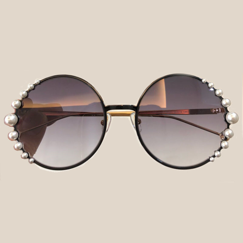 High Quality Luxury Diamond Round Sunglasses for Women Vintage Retro Alloy Frame Fashion Shades Oculos De