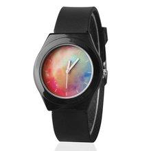 Мягкого силикона группа персонализированные кварцевые часы досуга для Для мужчин и Для женщин студентов пары часов 2018 черно-белый цвет