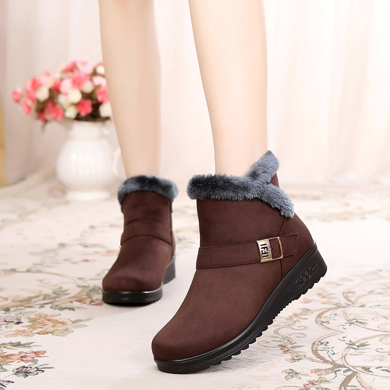 Old Beijing shoes women 's large code warm cotton boots in the elderly snow boots women' s mother shoes Mianxie free shipping old beijing shoes new women s cotton