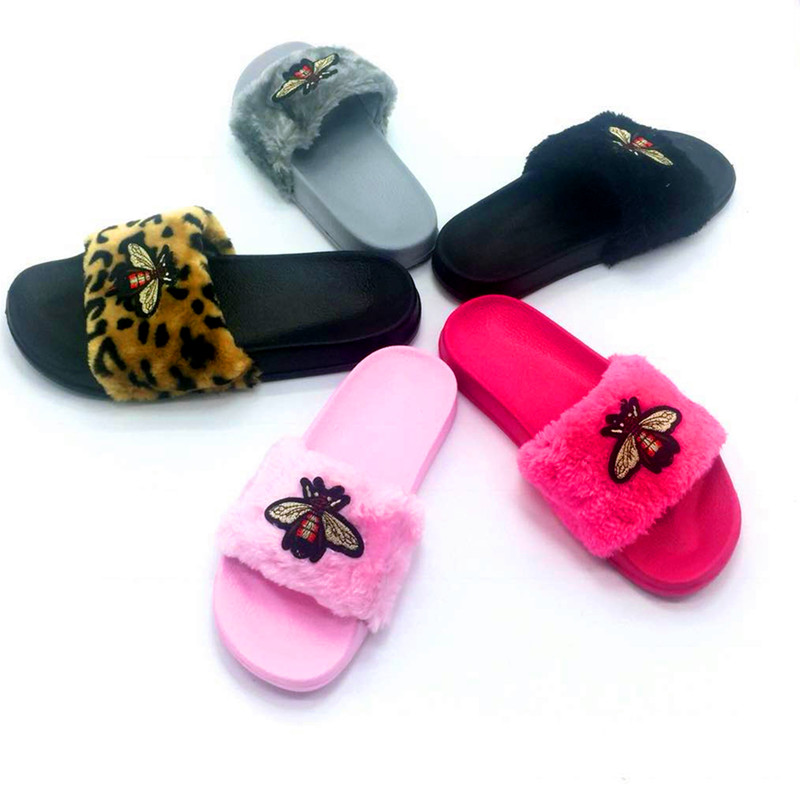 AoXunLong New Bee Slippers Womens Slides Moda Furry Red Home Slippers - Zapatos de mujer - foto 2