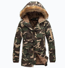 Mode camouflage männer military mittellange männer clothing verdickung baumwolle gefütterte winter hoodie männer mit fur eine haube
