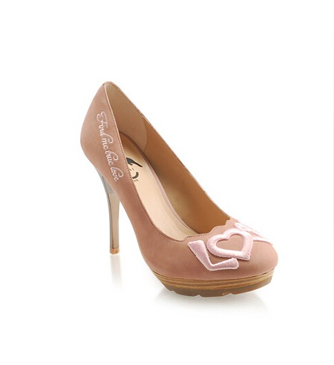Free shipping women shoes Fine pink high heels with Chinese embroidery  patterns Banquet-in Women s Pumps from Shoes on Aliexpress.com  6a8c828ea0b8
