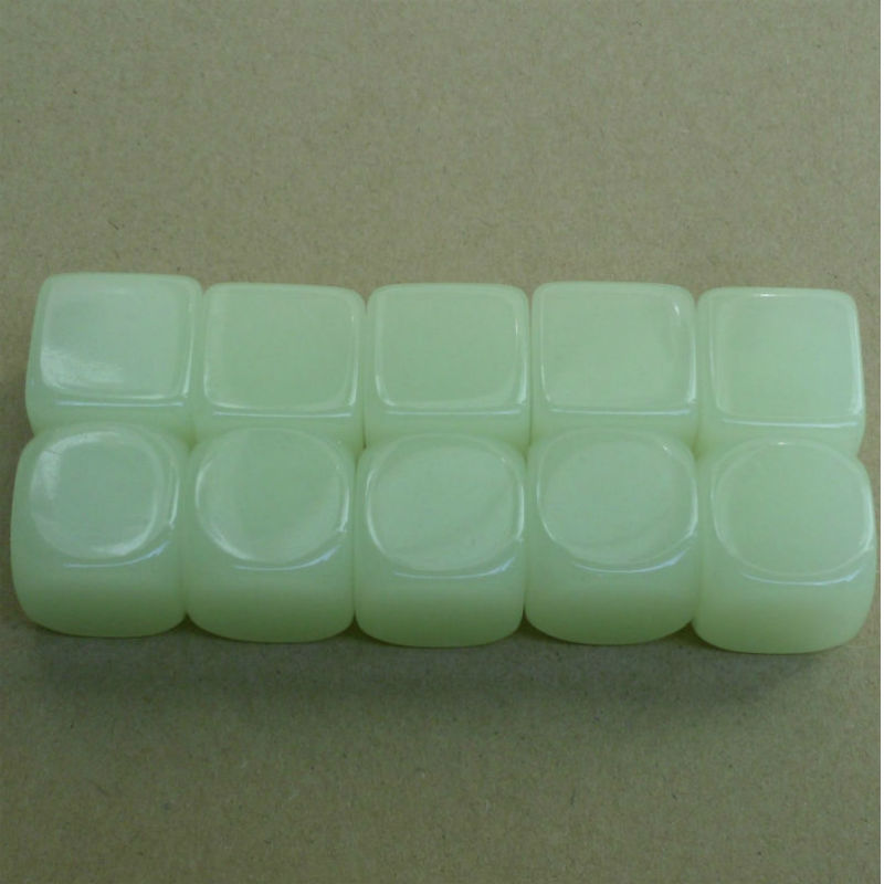 Free shipping 2pcs 6-sided 20mm blank Noctilucent dice can be writed by pen can be Carved DIY dice for board game accessories