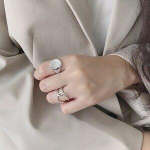 Image 3 - Silvology 925 Sterling Zilver Glossy Concave Sureface Ringen Ronde Hoge Kwaliteit Geavanceerde Model Ringen voor Vrouwen Nieuwe Kantoor Sieraden