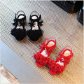 Летние Девушки Рим Обувь Simple Цыганских Девочек Сандалии Резинка 2 Конструкций Детская Обувь chaussures enfants залить les filles