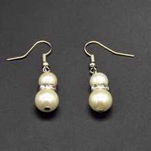 2018 new year fashion Pearl Earrings White and gray Pearl Earrings For Women/Girls(China)