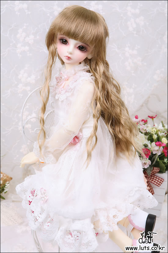 1/4th scale 42cm  BJD nude doll DIY Make up,Dress up. SD doll Girl BORY.not included Apparel and wig 1 4 bjd dollfie girl doll parts single head include make up shang nai in stock