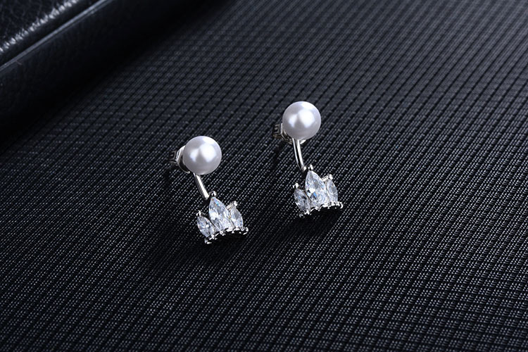 High quality fashion shiny crystal imitation pearl female 925 sterling silver ladies stud earrings jewelry wedding gift women in Stud Earrings from Jewelry Accessories