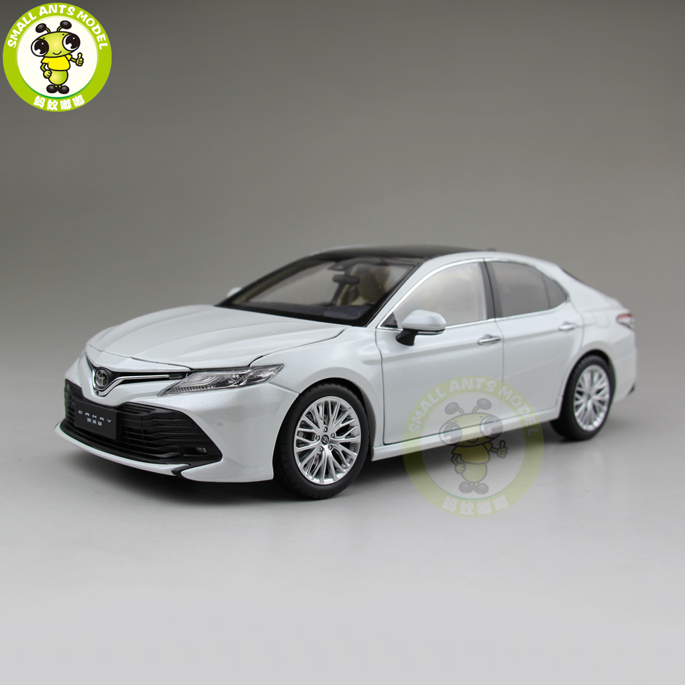 <font><b>1</b></font>/<font><b>18</b></font> New Camry 2018 8th generation <font><b>Diecast</b></font> <font><b>Car</b></font> <font><b>Model</b></font> Toys for kids Children Birthday Gift Collection White image
