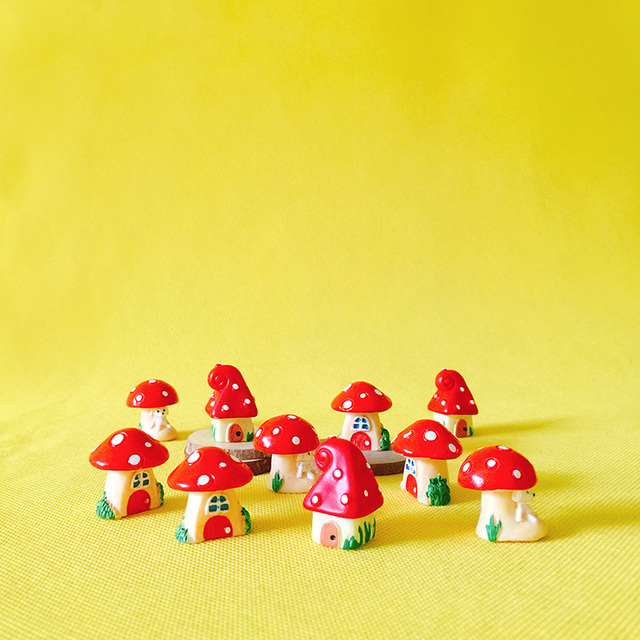 12 Pcs/ /miniatures Cottage/shabby Red Mushroom House/cute/fairy Garden