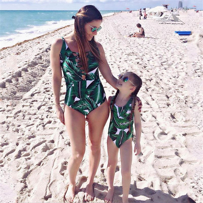 Summer Beach Family Matching Swimsuit Mother Daughter Matching Outfits Women Girls Bikini Bathing Suit Swimwear Beachwear summer baby kids girls swimwear hot spring swimsuit wavy dots cute dolphin swimming suits bikini children beach bathing suit