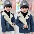 Invierno de terciopelo jeans chaquetas para niños niñas Abajo chaqueta de apertura de cama abajo chaquetas de mezclilla de moda abrigo de los niños embroma la capa prendas de vestir exteriores