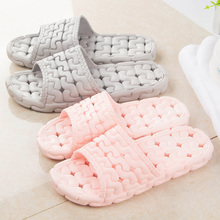 A couple of men and women bathing bathroom slippers indoor slippers Water Leakage hollow slip.