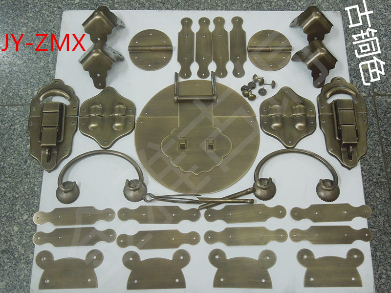 Copper handle copper box buckle Zhangmu Xiang Zhangmu Xiang Chinese antique copper fittings copper buckle kit