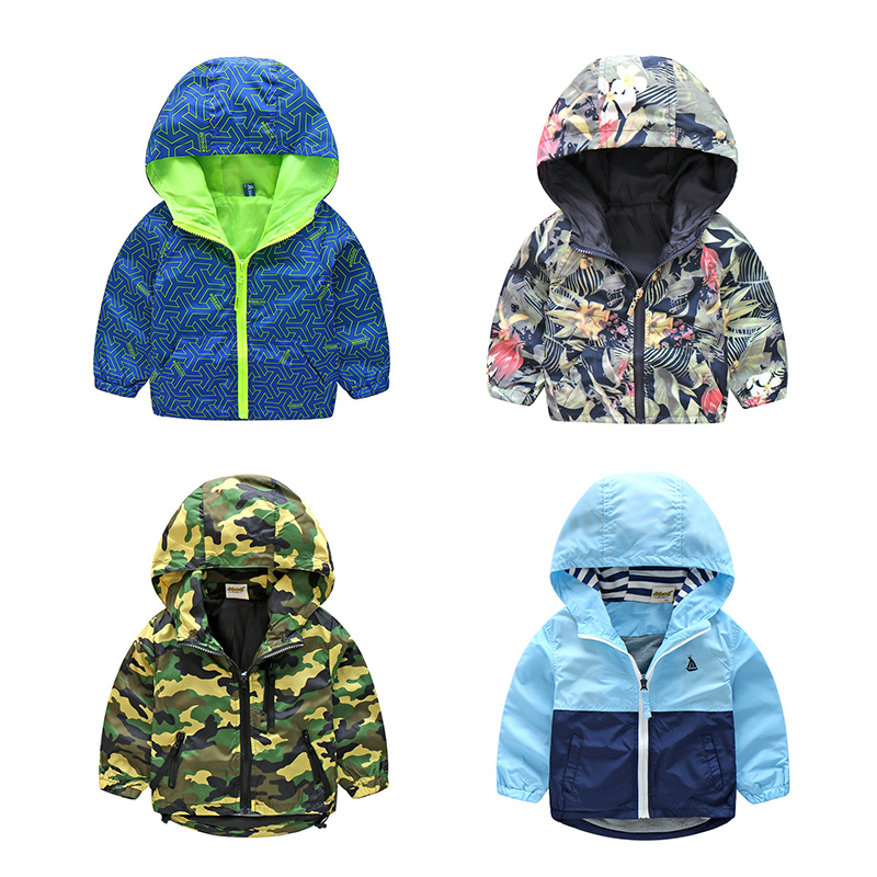 2018 New Arrivals Spring Children Camouflage Hooded Jackor För Boy Girls Outwear Kläder Kids Long Sleeve Windbreaker CMB319