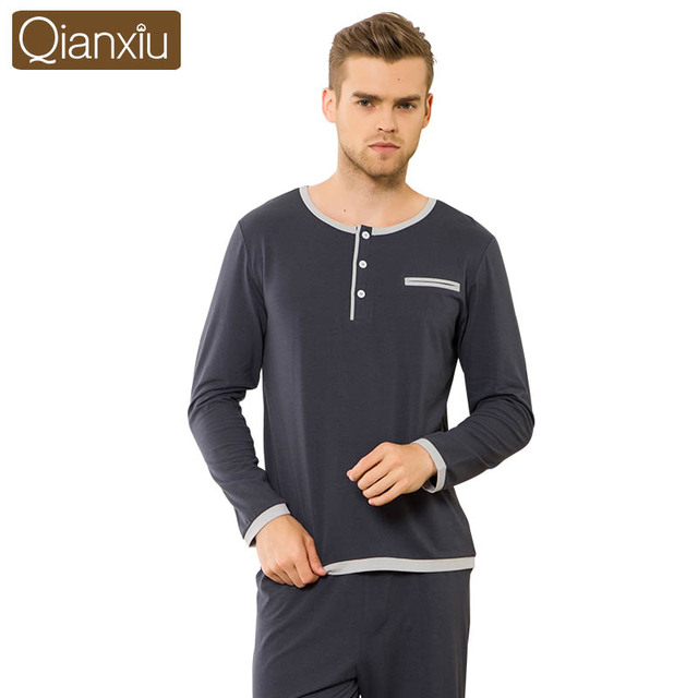 Qianxiu Марка Мужчины Пижамы Установить Осень Мода Хлопок Длинные Рукава Пижамы Главная Lounge Одежда Топы и Топы для Мужчин
