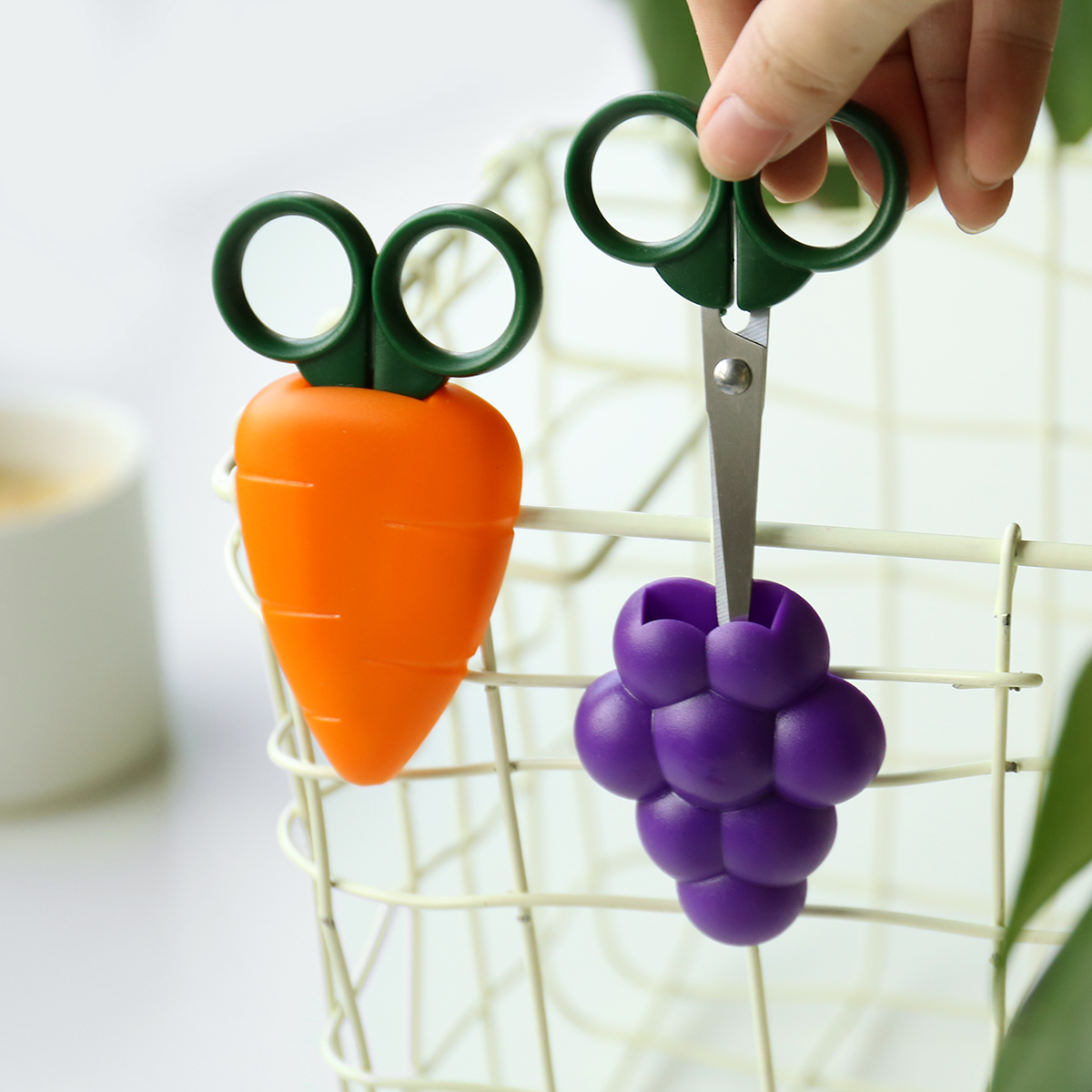Cute Fruit Mini Safe Scissors Portable Pocket Scissors Stationery For School And Office