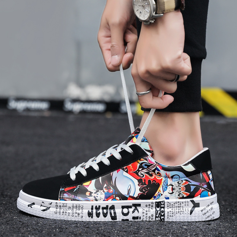2019 Summer Breathable Drama Face Printed Hip-hop Men Sneakers Chinese Shoes Couple Colorful Flock Lace-up Men Flat Shoes Casual