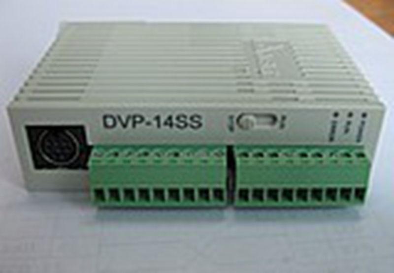 Used PLC programmable logic controller DVP14SS11R2 14 host 8 6 relay
