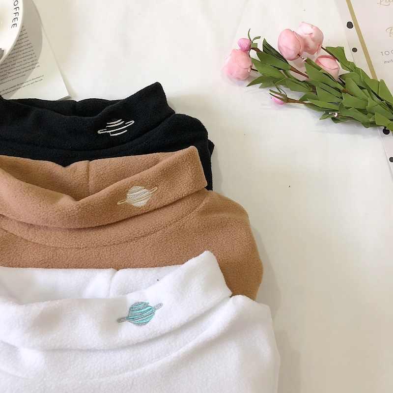 タイトな女性の Tシャツ 2019 New インサイド長袖女性の韓国の学生の高襟スリム刺繍女性 T -シャツ
