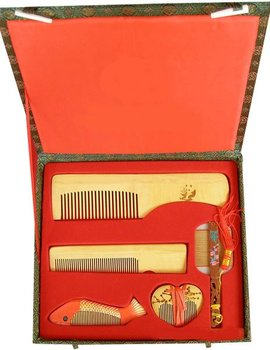 Guaranteed 100% Chinese Characteristics gift fish five pieces group boxwood comb good gift for wedding or business -m209