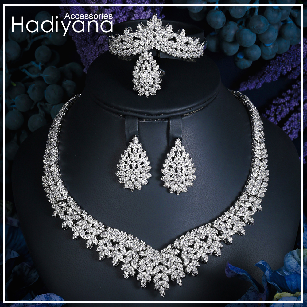 Hadiyana Fashion Bridal Jewelry Sets Leaf Design Wedding Jewelery Party Accessories Bijoux Femme Set Jewelry With Zircon CN779-1Hadiyana Fashion Bridal Jewelry Sets Leaf Design Wedding Jewelery Party Accessories Bijoux Femme Set Jewelry With Zircon CN779-1
